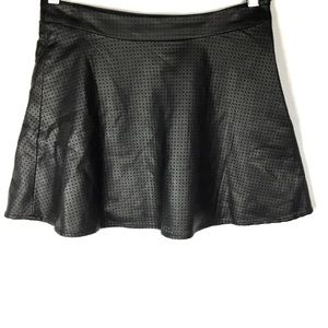 Express Womens Black Vegan Leather Mini Skirt Sz 0